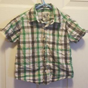 Boy's short sleeve button down shirt